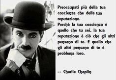 Sir Charles Spencer Chaplin, (1889-1977), noto come Charlie Chaplin, è stato un attore, regista, sceneggiatore, comico, compositore e produttore britannico, autore di oltre novanta film e tra i più importanti e influenti cineasti del XX secolo.