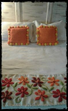 Hand Embroidery Videos, Hand Embroidery Stitches, Embroidery Designs, Beach Rock Art, Floral Bedspread, Cushion Embroidery, Bed Spreads, Sewing Hacks, Diy Crafts