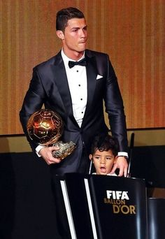 Cristiano Ronaldo - The Winner of FIFA Ballon d'Or Award 2013 and his son Cristiano Ronaldo Cr7, Cristiano Ronaldo Portugal, Cristino Ronaldo, Football Gif, Best Football Team, Trivia, Real Madrid Club, Portugal National Team, Soccer Gifs