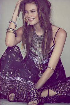 Want to recreate this hairstyle from Free People's lookbook? Watch the exclusive DIY video on HWTF