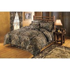 Dress up your bedroom with a lifelike, natural camo pattern. #RealtreeXtra 4-Piece Camo #Bedding Set includes a comforter, two shams (Twin has one, King has two king size) and a bed skirt. All have a soft brushed twill 65/35 polyester/cotton outer layer. Comforter has a body-warming polyester fill. Machine washable cold.