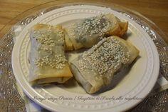 Questi croccanti Fagottini di Scarole alla napoletana, con olive e capperi sono saporiti e hanno pochissime calorie.