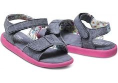 TOMS Tiny Sandals Chambray (7) TOMS,http://www.amazon.com/dp/B00IIS8ZJ4/ref=cm_sw_r_pi_dp_pBdjtb06N8P0ZN1P