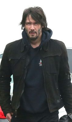 I wish Keanu Reeves is my boyfriend. Hahaha. Dreaming about the man of my life.