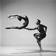 Ballet and modern dance performance. Modern Dance, Contemporary Dance, Shall We Dance, Just Dance, Lois Greenfield, Dance Like No One Is Watching, Alvin Ailey, Dance Movement, Ballet Photography
