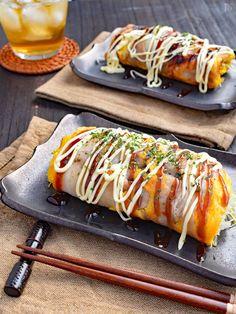 【材料3つで大満足◎】豚たまキャベツ焼き Sushi Recipes, Asian Recipes, Cooking Recipes, Japanese Street Food, Cooking Gadgets, Daily Meals, Unique Recipes, Food Menu, Food Photo