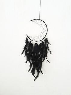 Traumfänger & Mobiles - Traumfänger Mond schwarz moon federn dreamcatcher - ein Designerstück von JustbeA bei DaWanda