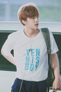 Oh really nana? I actually play tennis apparently we're dating now😂😂 Nct 127, Johnny Lee, Hi Boy, Nct Dream Jaemin, Boys Like, Na Jaemin, Winwin, Taeyong, K Idols