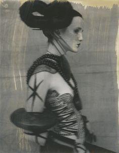 Sarah Moon pour Elle, 2003 .