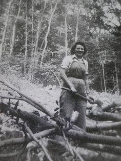 http://www.improvisedlife.com/wp-content/uploads/2011/05/Lumberjill-2.jpg