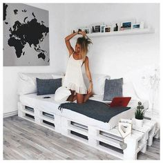 Black + Grey + White + Pallet Daybed: Pallet bed/couch for studio? - Black + Grey + White + Pallet Daybed: Pallet bed/couch for studio? Black + Grey + White + Pallet Daybed: Pallet bed/couch for studio? Pallet Daybed, Pallet Furniture, Pallet Couch, Furniture Ideas, Pallet Headboards, Furniture Design, Pallet Benches, Pallet Tables, Pallet Patio