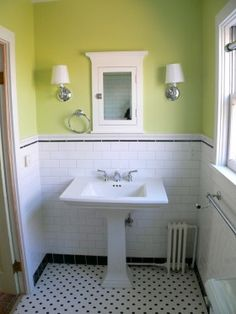 Subway tile, black hexagons and sizzle strip