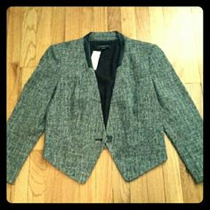 Ann Taylor Blazer Stylish Ann Taylor blazer. Size 4. New with tags and never worn. Polyester and rayon. Fully lined. Ann Taylor Jackets & Coats Blazers