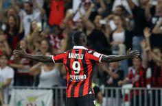 Balotelli estreia marcando 2 gols e  Nice vence Olympique por 3X2.