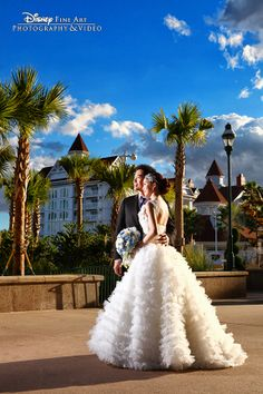 Disney's Grand Floridian, Resort & Spa, is the perfect backdrop for beautiful portraits #wedding. Photo: Mike, Disney Fine Art Photography