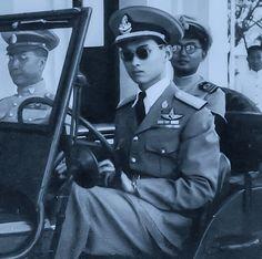 His Majesty King Bhumibol Adulyadej King Phumipol, King Rama 9, King Of Kings, King Queen, King Thailand, Queen Sirikit, Bhumibol Adulyadej, Who People, Great King