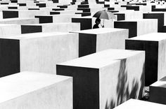 | Eisenman's Memorial to Murdered Jews of Europe -  Light + Shadow in Architecture