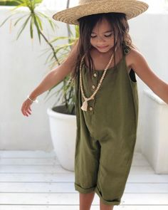 """Parasiah came home from school today and goes """"there's a bully in my class a. Parasiah came Cute Outfits For Kids, Toddler Outfits, Cute Kids, Girl Outfits, Little Girl Fashion, Toddler Fashion, Kids Fashion, Zara Kids, Kid Styles"""