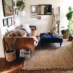 Novel Small Living Room Design and Decor Ideas that Aren't Cramped - Di Home Design Room Inspiration, Bohemian Living Room Decor, Cozy Apartment Decor, Modern Bohemian Living Room, Living Room Designs, Apartment Living Room, Living Decor, House Interior, Apartment Decor