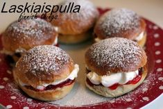 Laskiaispulla – Sweet cardamom buns - is a cardamom-spiced bun cut in half and filled with strawberry jam and lots of whipped cream - delicious as they look Strawberry Cream Puff Recipe, Strawberry Cream Cheese Filling, Strawberry Jam, Swedish Cardamom Buns Recipe, Cream Bun, Cream Horns, Finnish Cuisine, Finnish Recipes, Cute Buns
