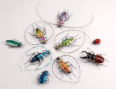 Hand Blown Glass Bugs, these were made in the Toffolo Gallery, Murano Italy and are AMAZING! This is one of my two favorite galleries in Murano Corning Glass, Beaded Spiders, Muse Art, Beautiful Bugs, Insect Art, Glass Artwork, Beaded Animals, Beads And Wire, Hand Blown Glass