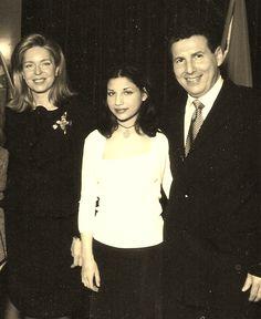 Queen Noor of Jordan with Dr. Hani Ahmed Shennib, Sarah Besan Shennib, 2002 للدكتور هانى شنيب استاذ جراحة الصدر والقلب بجامعة مونتريال بكندا