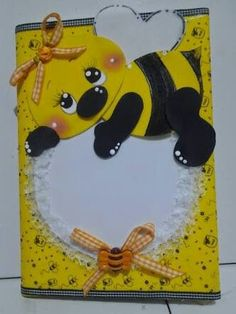 Cadernos Decorados Foam Crafts, Diy And Crafts, Crafts For Kids, Arts And Crafts, Paper Crafts, Bee Cards, Art Drawings For Kids, Decorate Notebook, School Decorations