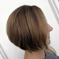 25 Chin Length Bob Hairstyles That Will Stun You in 2019 - Style My Hairs Long Angled Bob Hairstyles, Inverted Bob Haircuts, Bob Hairstyles With Bangs, Long Hairstyles, Bob Haircut For Round Face, Round Face Haircuts, Long Bob Ombre, Blonde Bob Haircut, Chin Length Bob