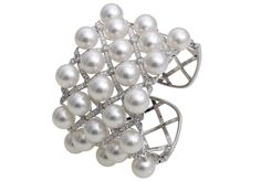 Yoko London Mayfair bracelet in 18k White Gold with Diamonds and South Sea Pearls (=)