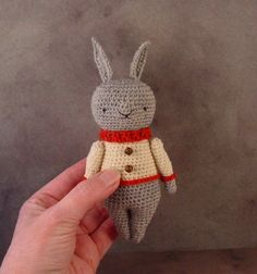 INSTANT PDF crochet patrón / fieltro conejo toy por OutoftheThistle