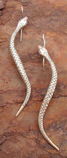 Manasa Snake Earrings Goddess Immortality por LisaFlanders en Etsy