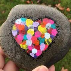 Don't let your beautiful painted rocks get ruined by the wrong type of sealer! Learn all about the best ways to seal different types of painted rocks here! Stone Art Painting, Heart Painting, Pebble Painting, Pebble Art, Rock Painting Ideas Easy, Rock Painting Designs, Painting For Kids, Painted Rocks Craft, Hand Painted Rocks