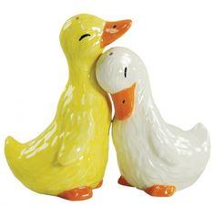 Ducks Salt & Pepper Shakers! Aww I want them :)