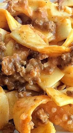 This tomato beef country casserole is packed with all your favorite comfort foods. This is a family favorite ground beef casserole that everyone loves. Hamburger Dishes, Hamburger Recipes, Ground Beef Recipes, Meat Recipes, Crockpot Recipes, Cooking Recipes, Easy Casserole Recipes, Casserole Dishes, Farmers Casserole
