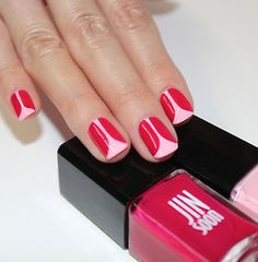 luckymag:  DIY: How To Do a Tulip-Inspired Mother's Day Mani»