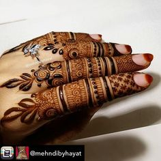 """Finger details 🍃 """"Blessed is He in whose hands is the dominion, and He is powerful over all things. [He] who created death and life to test you as to which of you is best in deed. And He is the Exalted in Might, the Forgiving."""" (Surah Ps: HBD to me. Khafif Mehndi Design, Full Hand Mehndi Designs, Mehndi Designs For Girls, Mehndi Designs For Beginners, Mehndi Design Photos, Mehndi Designs For Fingers, Dulhan Mehndi Designs, Mehndi Designs For Hands, Mehendi"""