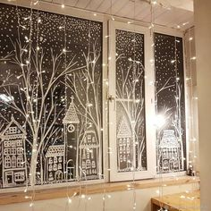 Christmas Window Display, Christmas Window Decorations, Christmas Projects, Winter Christmas, Christmas Home, Christmas Windows, Christmas Chalkboard, Theme Noel, Christmas Inspiration