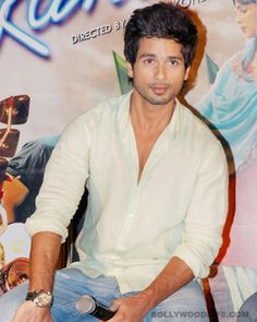 #ShahidKapoor goes house-hunting :The Teri Meri Kahaani star is keeping himself busy by going through long lists of available homes that he can move into. We try and find the real reason behind his latest quest  Shahid Kapoor finally has a new non-movie task on his to-do list! And do you know what that is? House hunting!