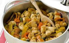 Weight Watchers Chicken Breast with Peppers, a very easy dish to make and especially very good and light in taste, ideal for a quick and light meal by alinemarbehant Light Recipes, Meat Recipes, Chicken Recipes, Weigth Watchers, Cooking For Dummies, Cooking Measurements, Weight Watchers Chicken, Country Cooking, Cooking Turkey