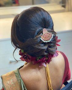 Indian Bridal Hairstyles, Wedding Hairstyles For Long Hair, Bride Hairstyles, Easy Hairstyles, Saree Hairstyles, Office Hairstyles, Stylish Hairstyles, Hairstyles Videos, Hairstyle Short
