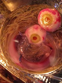 Radishes + olives = eyeball martini - awesome for Halloween. or a Zombie party. ( U and - I'm looking at you ladies! No pun intended. Halloween Eyeballs, Halloween Food For Party, Halloween Birthday, Holidays Halloween, Halloween Treats, Halloween Decorations, Halloween Foods, Holiday Parties, Holiday Fun