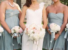 gorgeous bouquets with satin ribbon | Gabe Aceves #wedding