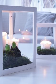 Decoration with candles, moss, and hyacinths via Bolettes hus