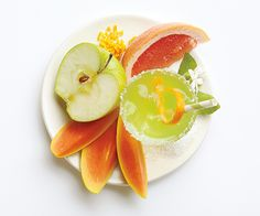 The cure for a summer scorcher. Grapefruit and green apple refresh the senses, even in a heat wave. Skinny Sipping - one of three new scents for summer from PartyLite.