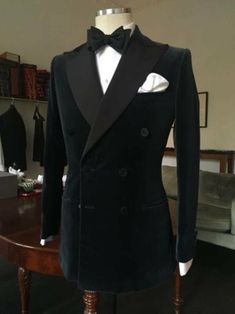 Groom Tuxedo, Tuxedo For Men, Black Tuxedo, Style Gentleman, English Gentleman, Southern Gentleman, Modern Gentleman, Prom Blazers, Modern Tuxedo