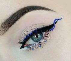 Blue eyeliener makeup inspiration, just some fun with makeup on free day #bluemakeup #makeup #eyeliener #eyebrow #blueeye