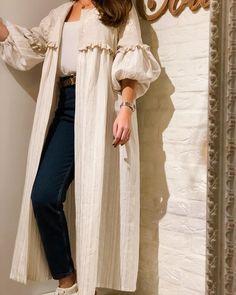 Abaya Style 34058540918090414 - Source by alaroussabridalconcierge Street Hijab Fashion, Abaya Fashion, Muslim Fashion, Modest Fashion, Fashion Clothes, Fashion Dresses, Kimono Fashion, Fashion Pants, Fashion Fashion