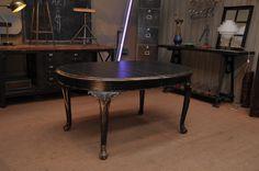 Мебель антик - Обеденный стол. Выполнен из дерева, покрытого черной патиной. Европа, 1930-е гг. Антикварная мебель - купить в Москве