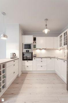 TROCHĘ KLASYCZNIE, TROCHĘ SKANDYNAWSKO - Duża otwarta kuchnia w kształcie litery u, styl skandynawski - zdjęcie od PRACOWNIE WNĘTRZ KODO