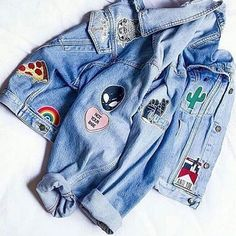 style up my denim jacket with patches. should i use my madewell or thrift a less expensive jacket? Fashion Job, Grunge Fashion, Look Fashion, 90s Fashion, Womens Fashion, Fashion Killa, Denim Fashion, Tumblr Outfits, Mode Outfits